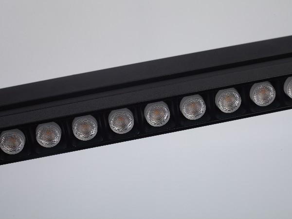 磁吸格栅灯